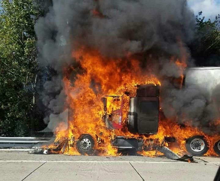 Wyckoff FD Responds to Truck Fire on Route 287 in Oakland