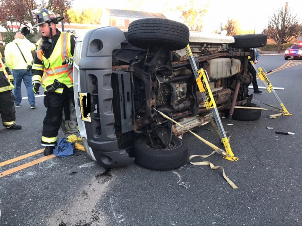WFD Responds to Cedar Hill Ave Rollover